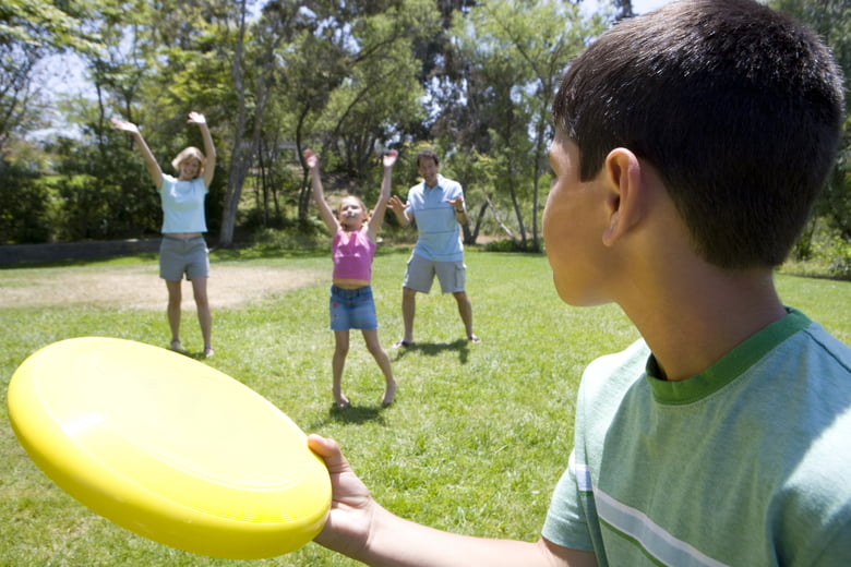 15 Frisbee games for kids