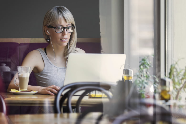 9 Hacks to Help Your Business Stand Out Online