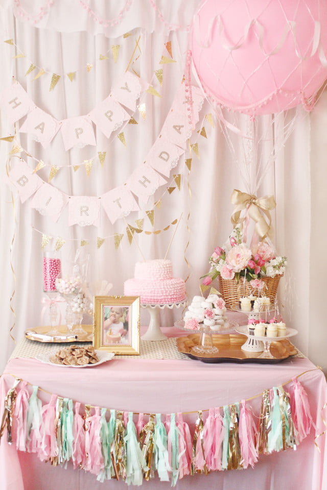 This Hot Air Balloon Party Cake Table Is Another One Of My Favorites And Features A Lot Sweet Special Touches Including Picture The Birthday