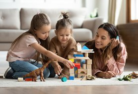How to find, interview for and land a nanny share job