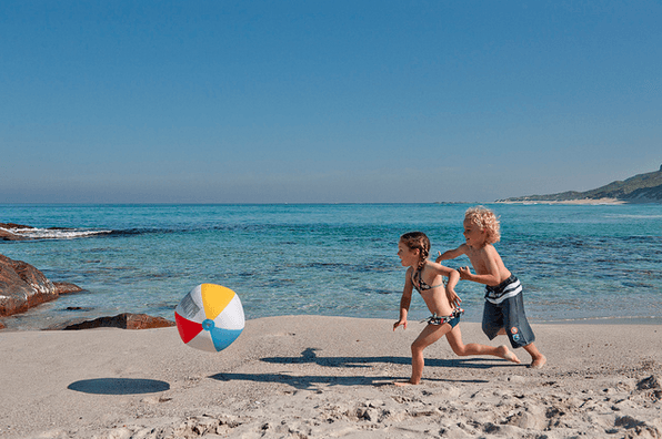 Take Advantage Of Los Angeles Year Round Warm Weather By Heading To One These Family Friendly Easily Accessible Beaches