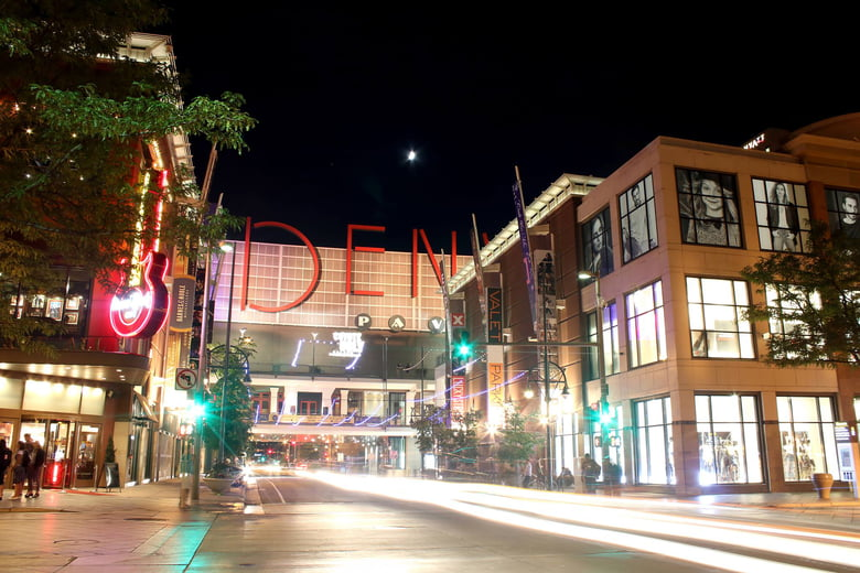 The 30 Best Shopping Malls in Denver. Skip to content We're sorry, some parts of the Airbnb website don't work properly without JavaScript enabled.