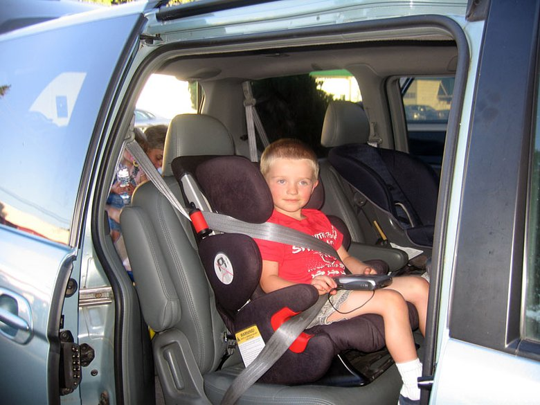 Child Car Seat Requirements: Protect The Health And Safety Of Your ...