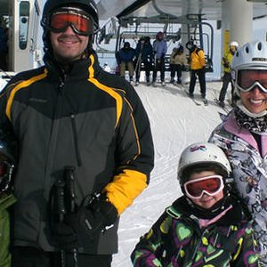 Managing A Stress-Free Ski Trip With The Family - Care.com
