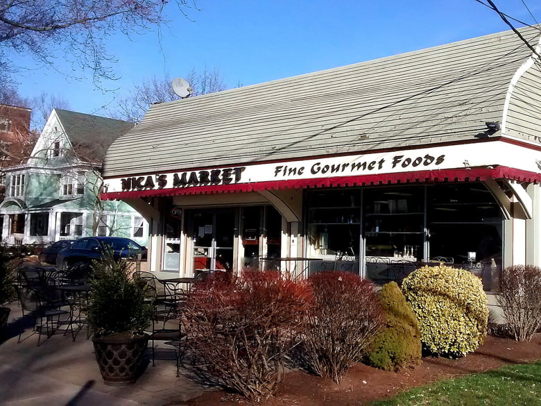 The 9 Best Dog Friendly Restaurants And Cafés In New Haven Carecom