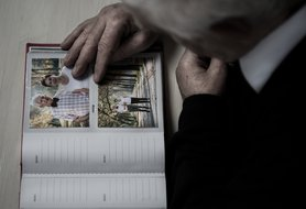 Understanding the difference between dementia and Alzheimer's