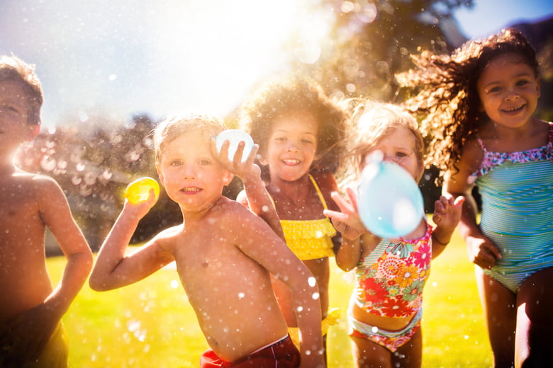 10 fun picnic games for kids to play