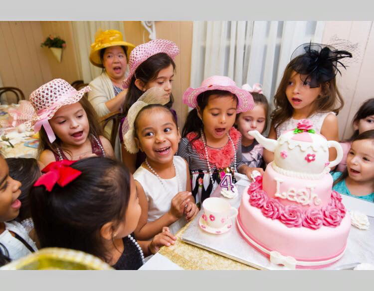 Magnificent The Top 5 Tea Party Spots For Houston Kids Care Com Funny Birthday Cards Online Necthendildamsfinfo