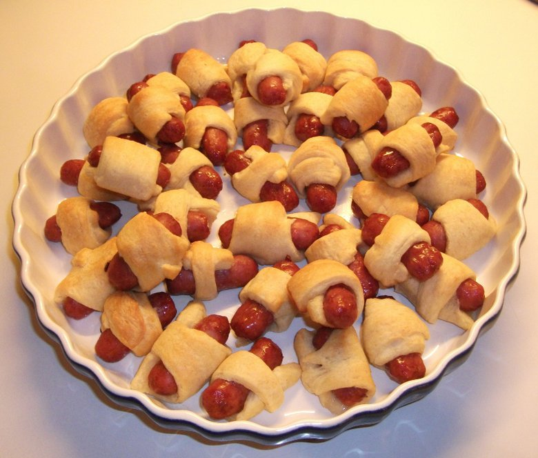 Foods Out Throughout The Party That Kids Can Snack On These Be Fruits And Veggies Or Things Like Pretzels Mini Hot Dog Wraps Are Super Easy