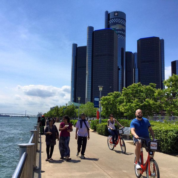 These Are Detroit's 5 Best Mom Blogs