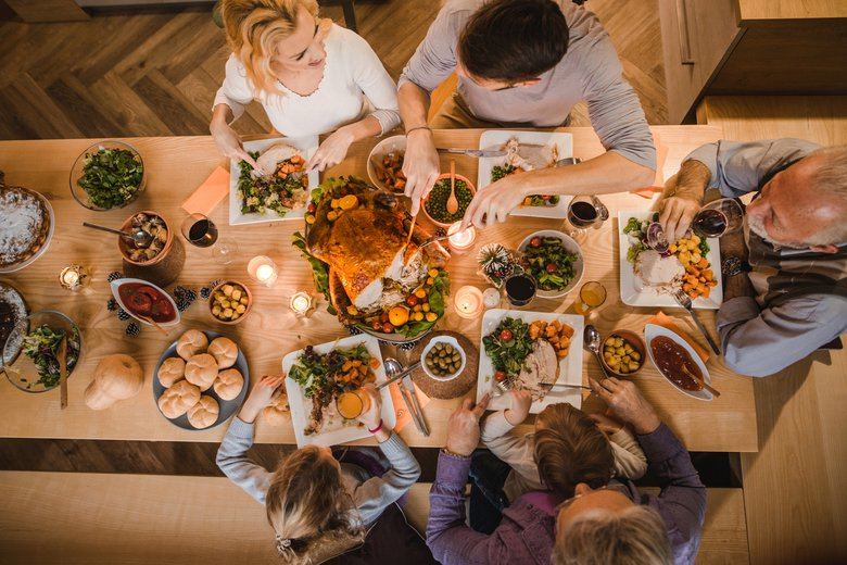 10 meaningful and fun family Thanksgiving traditions you can start this year