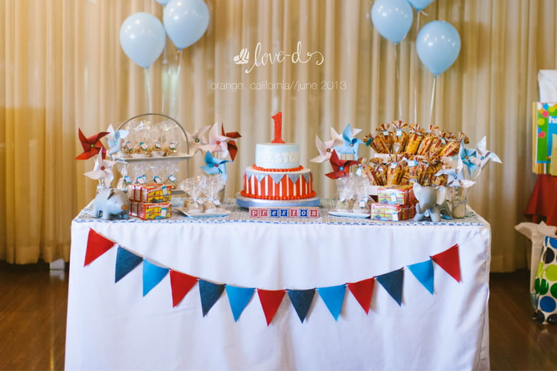 I Really Love The Design Of Cake Table Featured Above Its Simple Elegant And Fits With Theme A Circus Whats Great Is That This