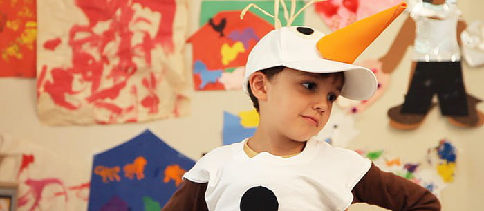 How to make a snowman costume care snowmen are hotter than ever and we all probably have disneys frozen to blame heres a really easy way to take a sleeveless shirt and cap and turn it solutioingenieria Choice Image