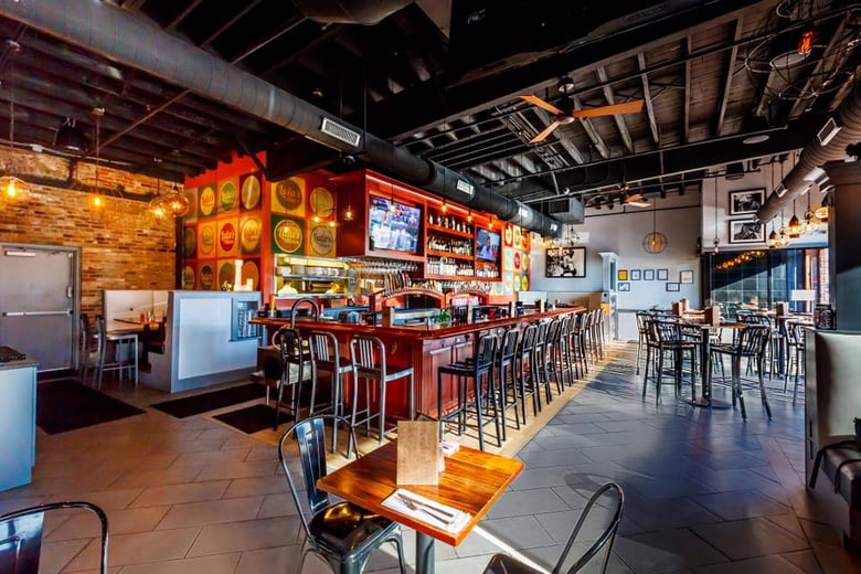 Best Kid Friendly Restaurants To Watch Sports In Boston Lulu S Allston