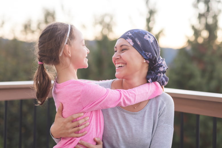 10 ways to help a mom or dad friend with cancer