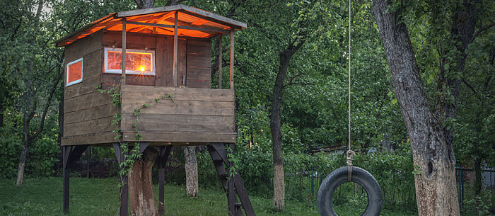 How To Build A Treehouse In Your Own Backyard